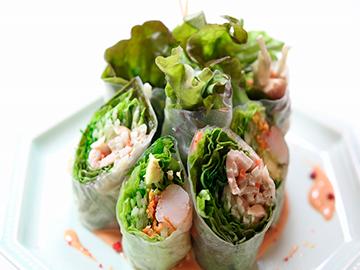 野菜不足の解消に♪ファミリーマートで買えるおすすめサラダ7選のサムネイル画像
