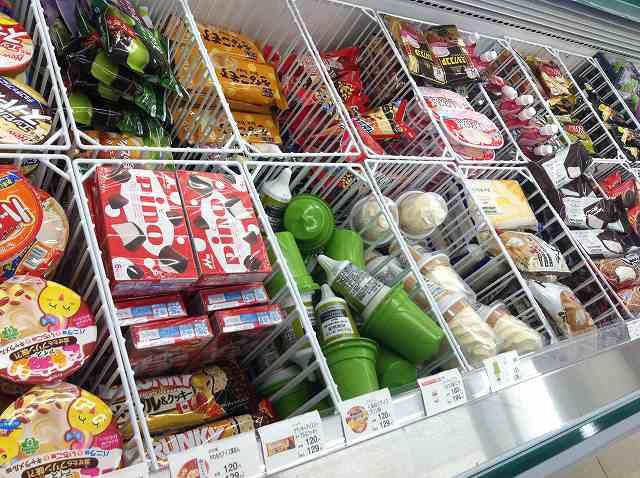 暑い日におすすめ♪ファミリーマートでしか買えない絶品アイス7選のサムネイル画像