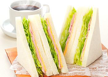 色々食べたくなる!ファミリーマートのサンドイッチをご紹介します!のサムネイル画像