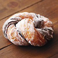 味も食感も専門店並!!ファミリーマートのおすすめドーナツ4選のサムネイル画像
