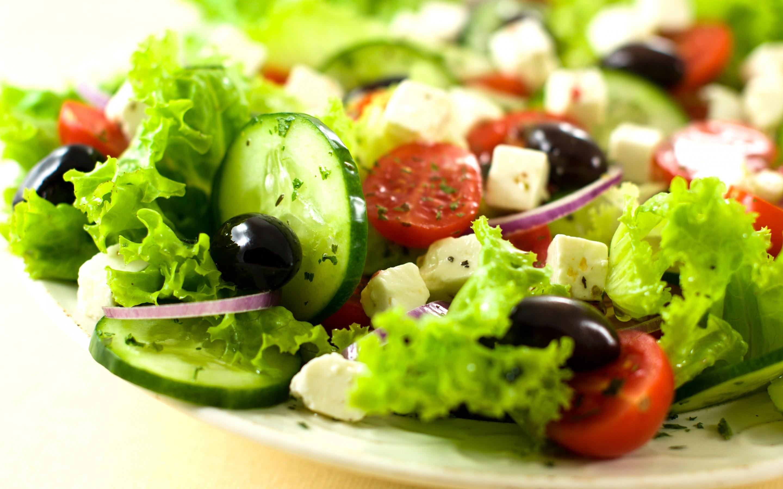 野菜をモリモリ食べたい!そんな時にコンビニサラダを活用しよう!のサムネイル画像