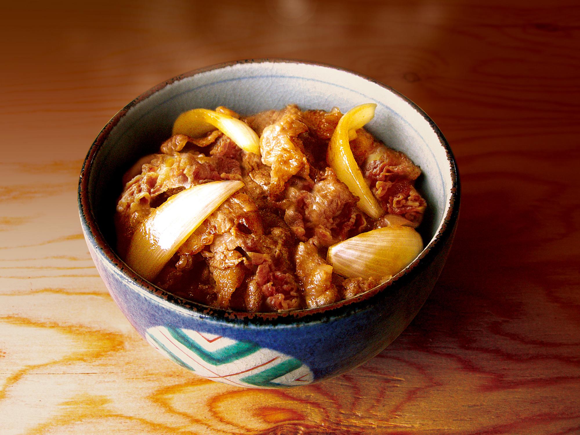 手軽に食べられる牛丼のカロリーを徹底比較!コスパ最強はどれ?のサムネイル画像