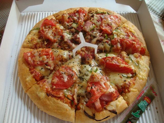 ピザハットのメニュー10選!そのカロリーを表示してみました!のサムネイル画像