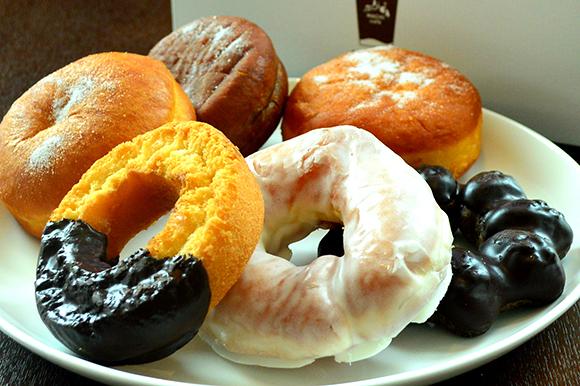 最近やけに活気の出てきたローソンのドーナツ、ホットな味がしますのサムネイル画像