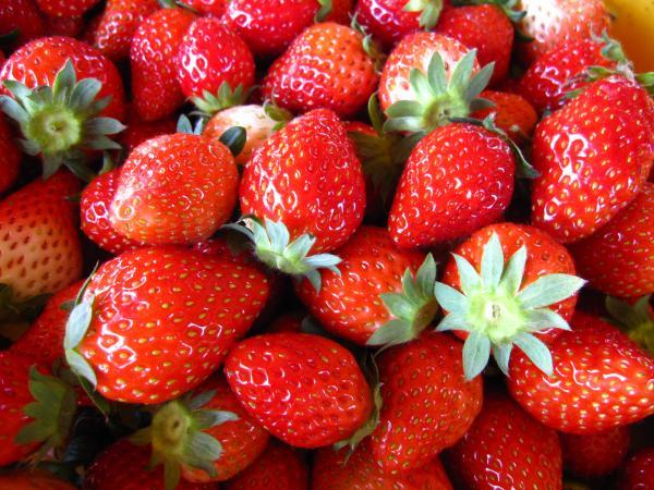 甘酸っぱくて美味しいいちご☆いちご味のスイーツ商品の特集のサムネイル画像