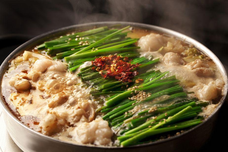寒い日は鍋を囲もう!お取り寄せ可能な本格派もつ鍋を紹介しますのサムネイル画像